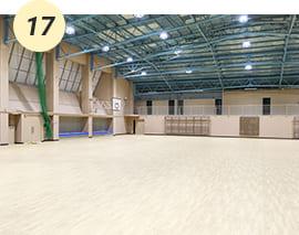 授業やサークルで利用する体育館